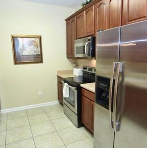 Professionally Furnished 3 Bedroom 2 Bath Penthouse Condo photos Exterior