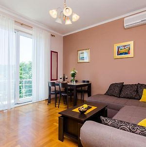 Apartment Good Vibes - One Bedroom Apartment With Balcony And City View photos Exterior