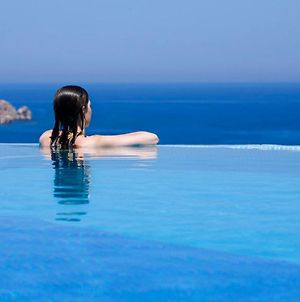 Paros Villa Sleeps 10 Pool Air Con Wifi T478599 photos Exterior