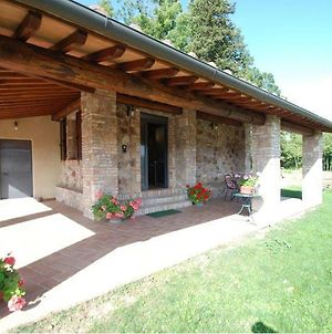 Monticiano Villa Sleeps 3 photos Exterior
