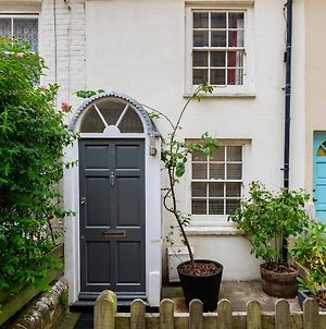 Super Central Cosy & Cute North Laine Cottage photos Exterior
