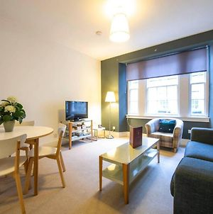 Altido Perfect Location! Charming Rose St Apt For Couples photos Exterior