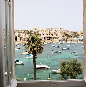 Blue Harbour 3 Bedroom Seafront Apartment With Large Yard On The Promenade - By Getawaysmalta photos Exterior