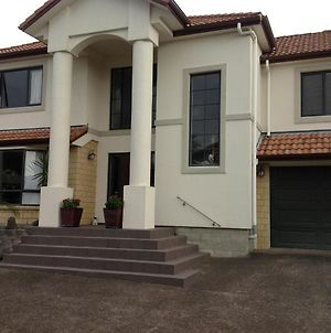 Howick Luxury Large Home photos Exterior