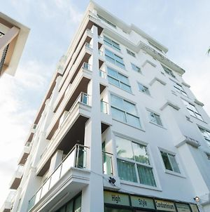High Style Condominium photos Exterior
