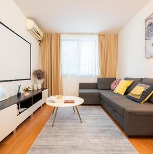 【Zhilian】Nice Two South-Facing Bedroom Apartment Near Changshu Road Station photos Exterior