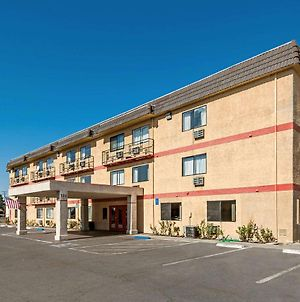 Econo Lodge Inn & Suites Yuba City - Marysville photos Exterior