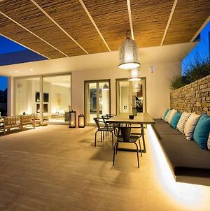 Paros Villa Sleeps 8 Pool Air Con Wifi T714112 photos Exterior