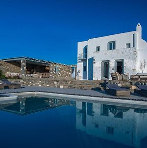 Paros Villa Sleeps 13 Pool Air Con Wifi photos Exterior