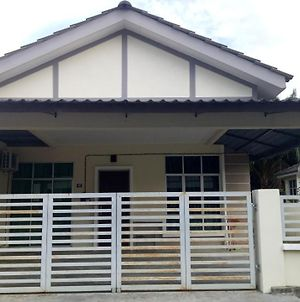 Homestay Harmoni Bagan Serai photos Exterior