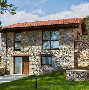 Cozy Mansion In Cangas De Onis With Meadow View photos Exterior