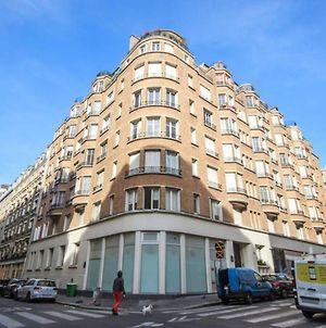 Cute Flat For 3P In The Heart Of The 11Th District photos Exterior