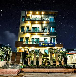 Fabhotel Merriment Noida photos Exterior