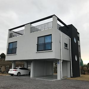 -부킹닷컴 운영 안합니다-Jeju Bonaire House photos Exterior