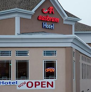 Aashram Hotel By Niagara River photos Exterior