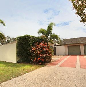 6 Petrie Ave, Marcoola, Pet Friendly, Linen Supplied photos Exterior