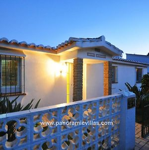 La Cala De Mijas Villa Sleeps 12 Pool Air Con Wifi photos Exterior