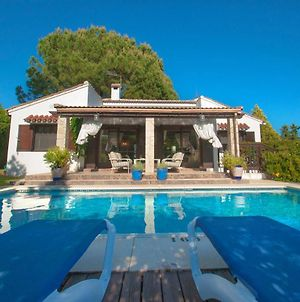 Marbella Villa Sleeps 6 Pool Air Con Wifi photos Exterior
