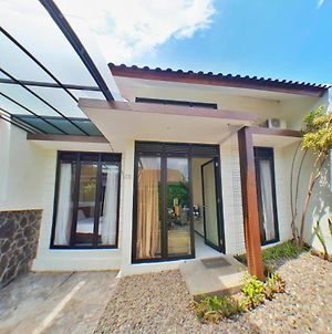 Premium Villa Batu 2 Bedroom Panderman Garden C5 photos Exterior