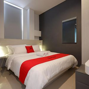 Reddoorz Plus Near Ciputra Mall Simpang Lima photos Exterior