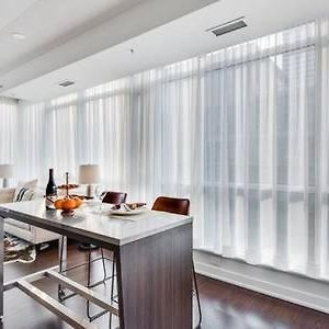 Luxury 2 Bedroom In The Heart Of Entertainment District W/ Cn Tower View photos Exterior