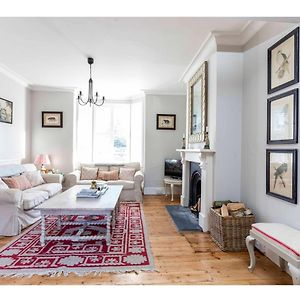 Elegant And Charming 2 Bedroom Home In Cambridge photos Exterior