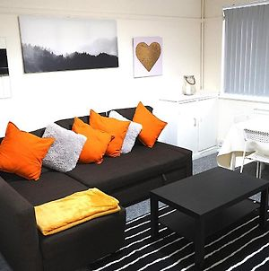 Beautiful/Homely 2 Bed Flat In Birmingham City Centre With Free Car Parking photos Exterior