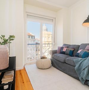Big Apartments In The Heart Of Lisbon Close To Intendente photos Exterior
