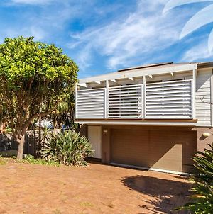 Banksia photos Exterior