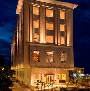 Lemon Tree Hotel Lucknow photos Exterior