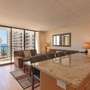 Waikiki Banyan Ocean View Tower 2 Suite 2012 photos Exterior