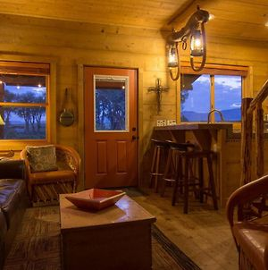 """Beautiful 1 Bedroom """"Barn"""" Cabin - Perfect For Small Families photos Exterior"""