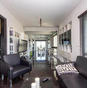 Flame Tree Residence 2-Bedroom Apartment photos Exterior