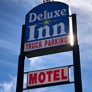Deluxe Inn Motel photos Exterior