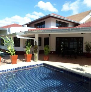 Siam Court 4 Bedroom Pool Villa By The Sea Close To All Major Attractions photos Exterior