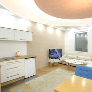 Relax Exclusive Apartment Including Free Parking photos Exterior
