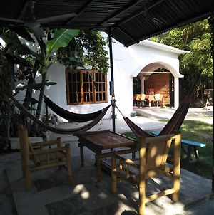 Dili Yoga Centre & Home Stay Rooms photos Exterior
