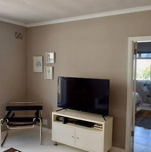 2 Bedroom In Sea Point With Huge Balcony photos Exterior