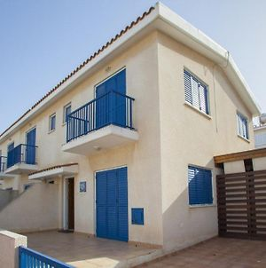 You And Your Family Will Love This Villa Paralimni Villa 16 photos Exterior