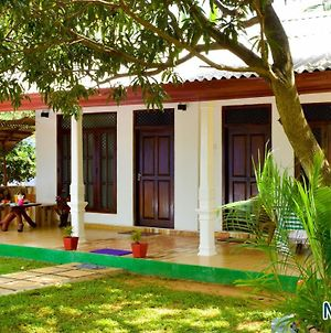 Niduwari Lake Homestay photos Exterior