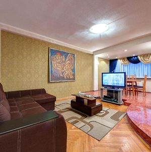 Four-Room Apartment In The Center Of Kiev photos Exterior