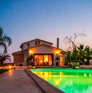 Bohemian Residence With Pool Close To Airport photos Exterior