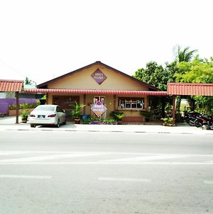 Anies Village Motel photos Exterior