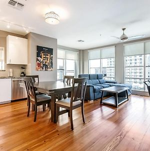 Modern & Fully Furnished Apartments In The Heart Of The City photos Exterior