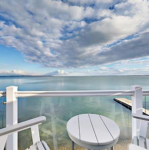 Put-In-Bay Waterfront Condo #209 photos Exterior