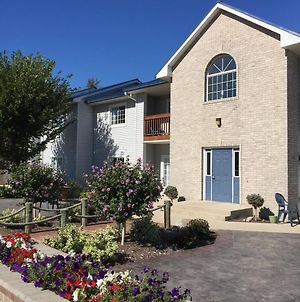 Put-In-Bay Poolview Condo #7 photos Exterior