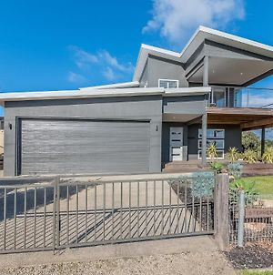 7 Graydens Road, Ventnor With Spectacular Views photos Exterior
