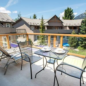 1 Bedroom Modern Townhome With Residential Hot Tub & Pool photos Exterior