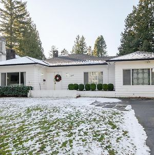 Classic House In Heart Of Vancouver photos Exterior