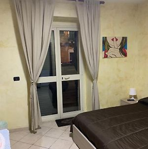Airport Bedroom House photos Exterior